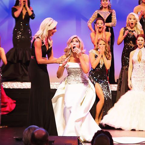 MISS-TEXAS-SHANNON-SANDERFORD-PLANO-MAGAZINE-CROWNING