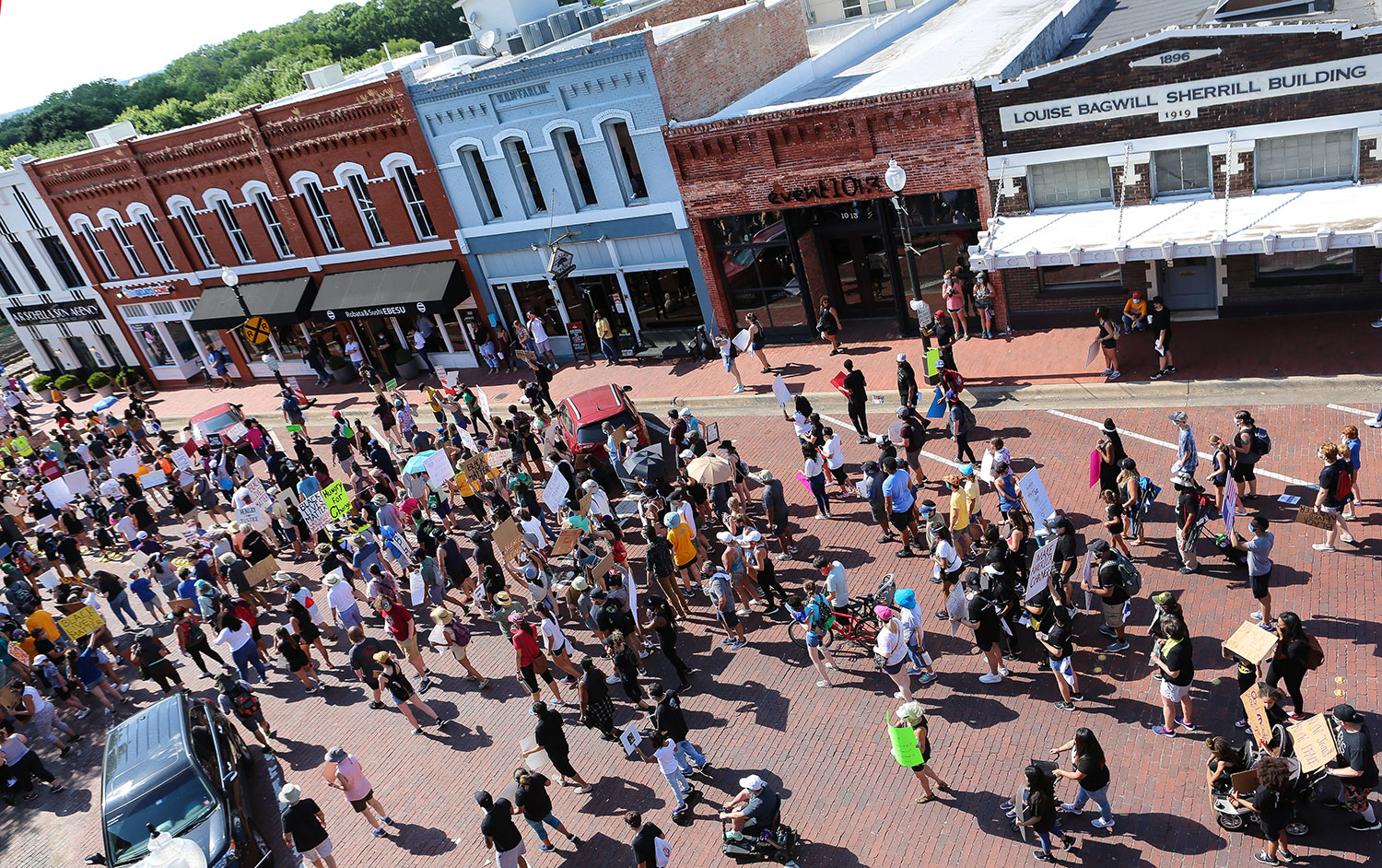 Citizens march down 15th Street // photo Ken Wesley